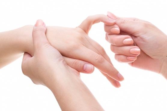 Folk meditsiin artriidi sormedes